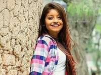 Karol Sevilla - Karol Sevilla (ur. 9 listopada 1999) – meksykańska aktorka, znana z udziału w serialu La Rosa de