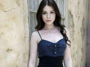 Michelle Trachtenberg - Narodila se v New Yorku americké židovské rodině. Je dcerou Michaela Trachtenberga, inženýra z