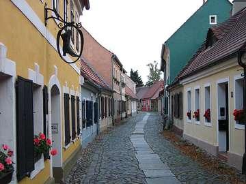 Biecz Lesser Poland - En gata i den historiska staden Biecz i Lesser Poland