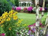 Un gazebo in giardino