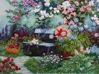 Zahrada s květinami a lavičkou - Zahrada s květinami a modrou lavicí