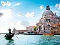 Olaszország, Olaszország, La Spezia Olaszország - egy város Olaszországban - Róma, amely a Római Birodalom fővárosa volt, évszázadok óta a nyugati civilizáció politikai