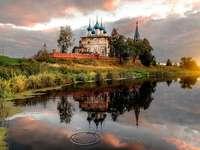 Ortodox templom a Tesa folyón