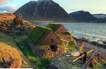 Iceland stone houses - The homestead in Stöng is one of the richest residences of the old Vikings. It has a very extensive