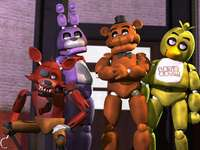 "cinq nuits à freddy - Five Nights at Freddy's est le premier jeu de la série ""Five Nights at Freddy's"""