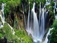 vodopády - Národní park Plitvická jezera v Chorvatsku