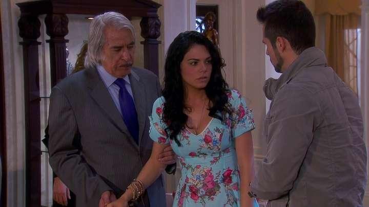 Novia italiana - Prometida italiana (en español: Muchacha italiana viene casarse) - Telenovela mexicana de 2014. La serie es un remake de la telenovela mexicana Muchacha italiana viene casarse de 1971. Fiorella (Livi (7×5)