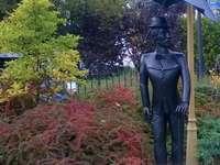Platz-Denkmal - Cheplin-Denkmal in Legionowo