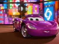 voiture de jouet pour une fill - un beau bijou pour les filles