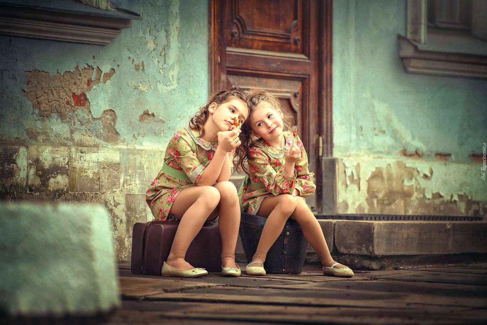 obrazy c.d - dwie dziewczynki -marzycielki