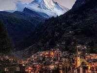Zermatt, Švýcarsko - Zermatt, Švýcarsko - město v údolí