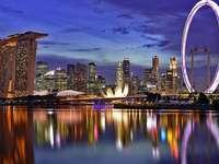 architettura - città splendidamente illuminata di notte