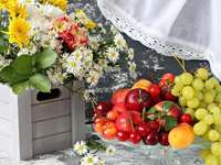 Kompozycja - kompozycja kwiatowo owocowa