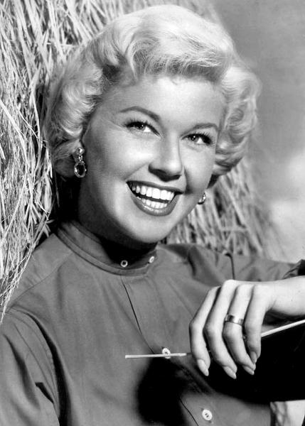 Ден на Дорис - Ден на Дорис. Doris Day, Doris Day, Doris Day e mais (5×5)