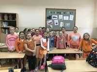 цветен ден - това е снимка от събитие в нашето училище