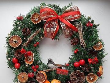 Christmas wreath with a bow - Christmas wreath with a bow