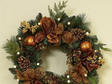 Gold-green wreath for the holi - Gold-green wreath for the holidays
