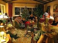 Familia la Crăciun - Familia la Crăciun