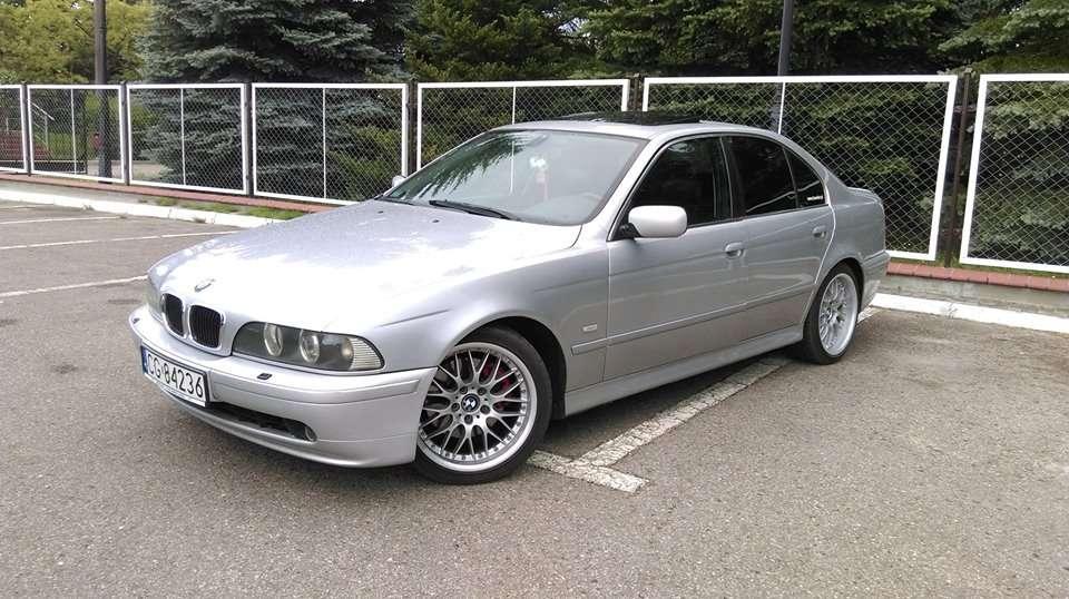 PUZZLE BMW SERIA 5 .