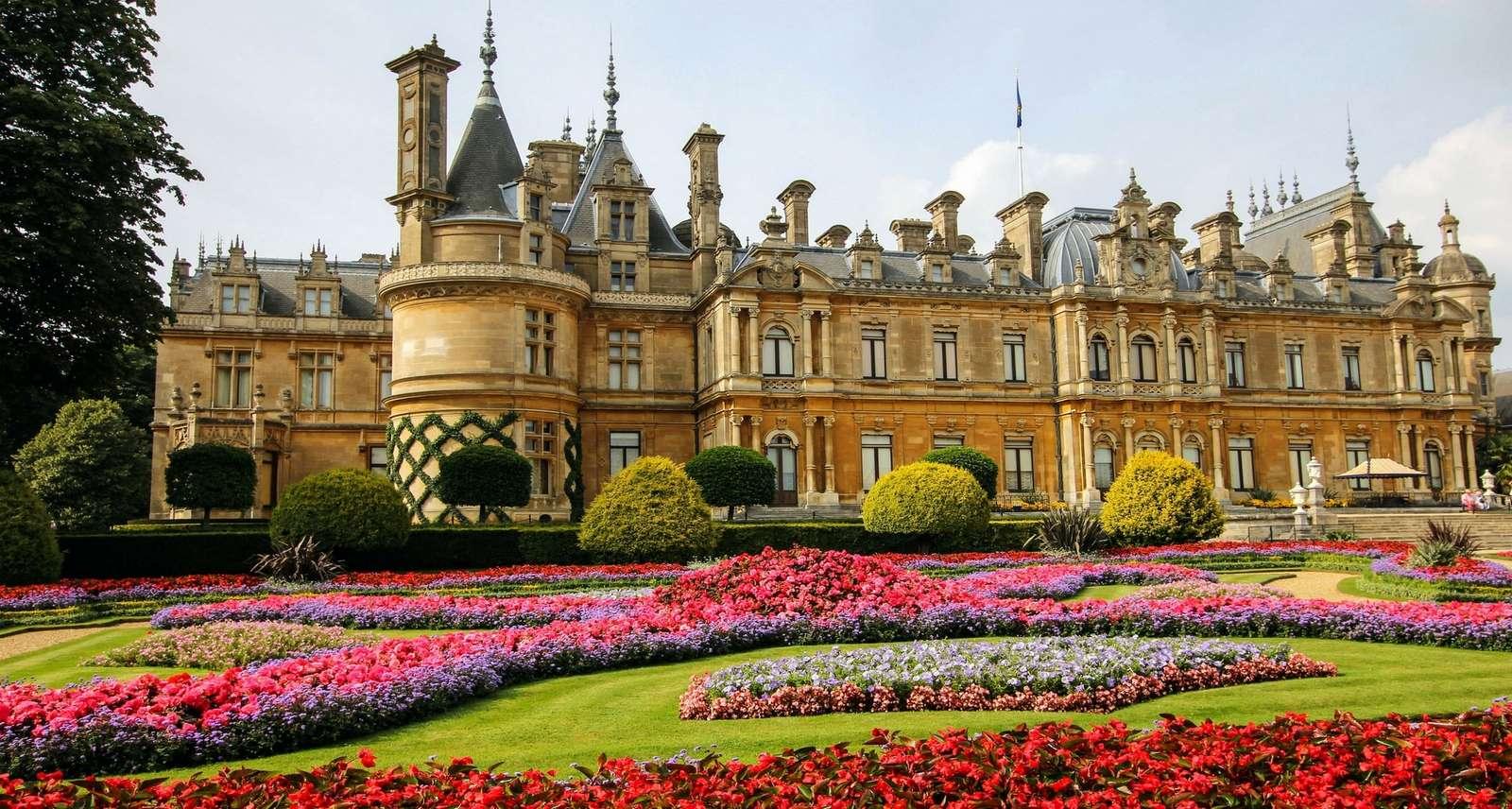 Slottsträdgård - färgglad palatsträdgård