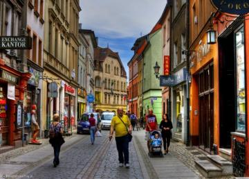 streets of Toruń - street, promenade, houses, people