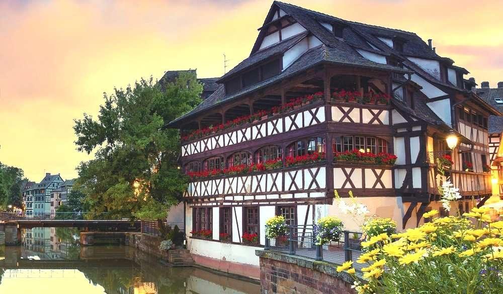 Huisje aan de rivier legpuzzel