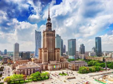 Warszawa - Polska - Warszawa, jak przystało na stolicę Polski, jest największym polskim miastem pod względem liczby