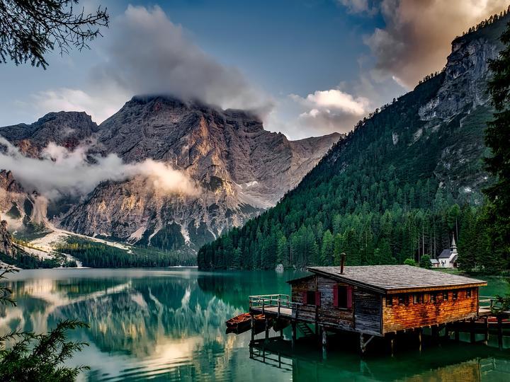 Cabana de pescuit pe lac - Lacul de munte o cabană de pescuit (10×10)
