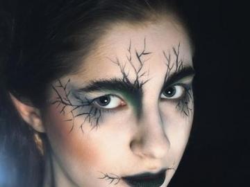 KOBIETA MAKIJARZ - kobieta dziewczyna malowanie