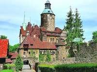 Стар замък