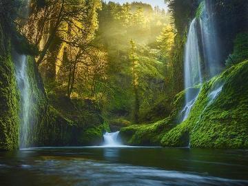cascades - Montagnes, forêt, cascades, lumière