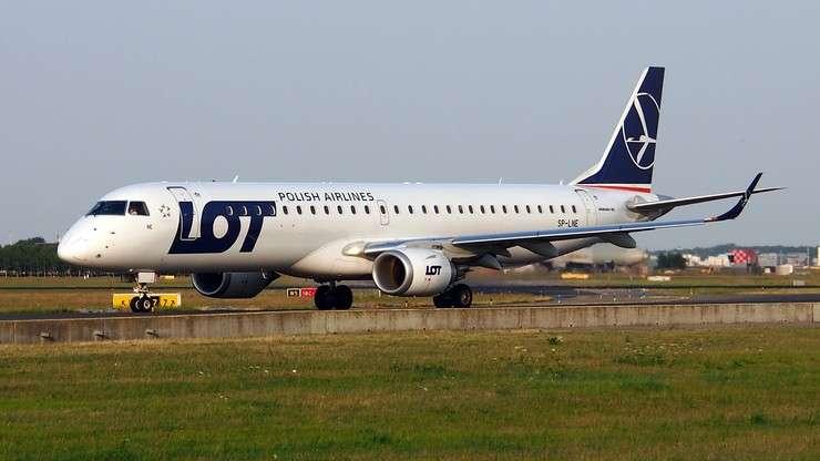 самолетът лети - самолет, летящ лято ltal atal (6×3)