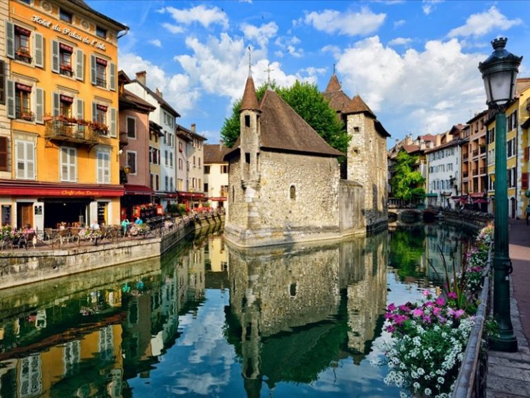 Annecy - France - Annecy is a city in the south-east, located between the Prealp mountains and the lake of the same na