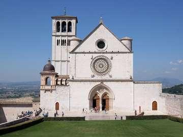 Bazylika San Francesco - Bazylika San Francesco znajduje się w Asyżu
