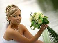 matrimoni e matrimoni - Ho un bouquet, ho vestiti e dove sono giovane