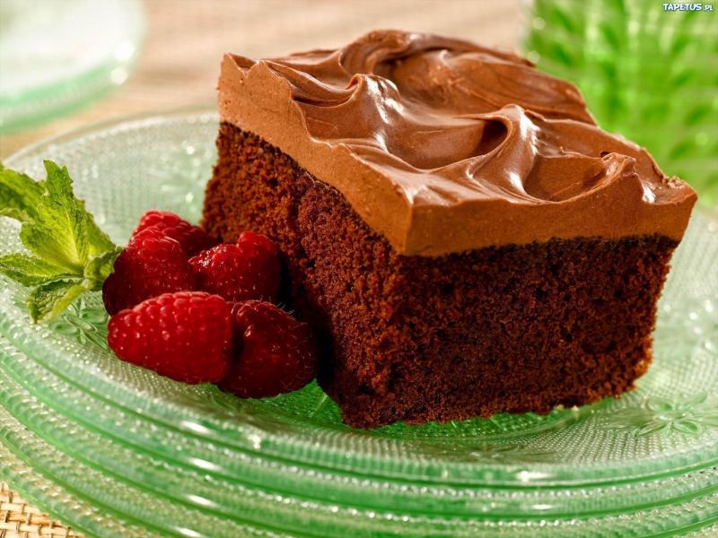 coś na słodko - czekoladowe ciasto i maliny (10×10)