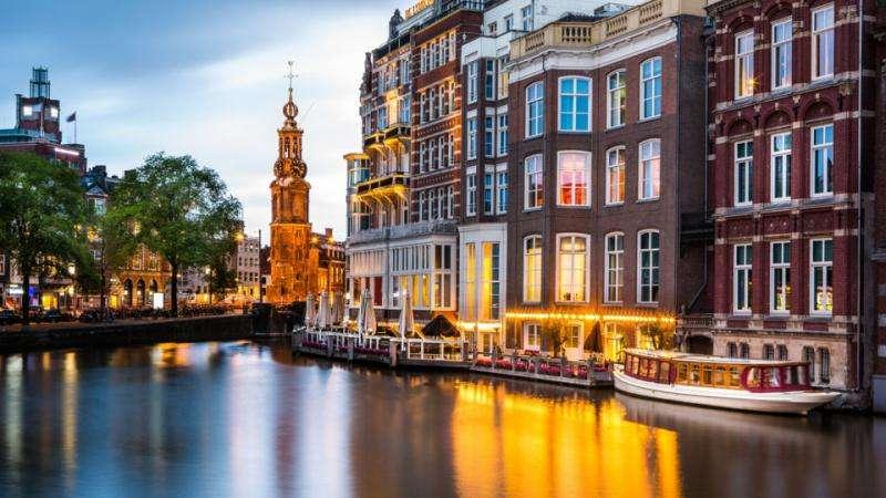 Amsterdam - Peisaj de prost din Amsterdam în Olanda (5×5)