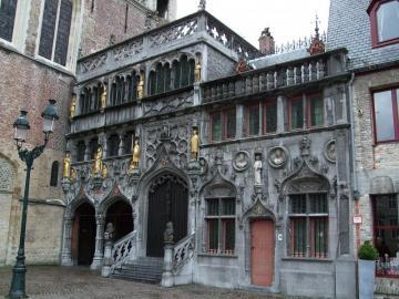 Bazylika w Brugii - Średniowieczna bazylika w Brugii
