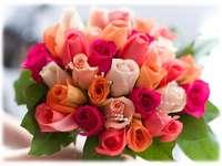 bukett med färgglada rosor pussel