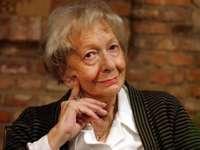 Wisława Szymborska - Поет и есеист. Носител на Нобеловата награда за литера�