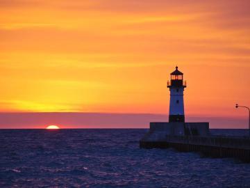 havet landskap - solnedgång, fyr
