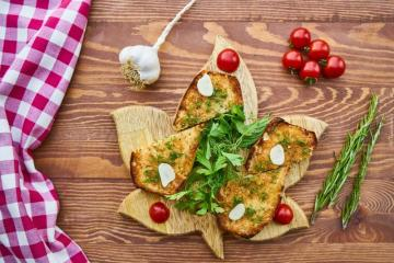 Something to eat - toasts with tomatoes and garlic