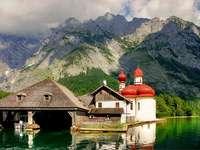 Konigssee v Bavorsku. puzzle