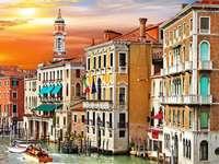 Stad Venetië - Venetië, huizen, kanaal, gondels