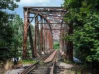 oud spoorwegviaduct