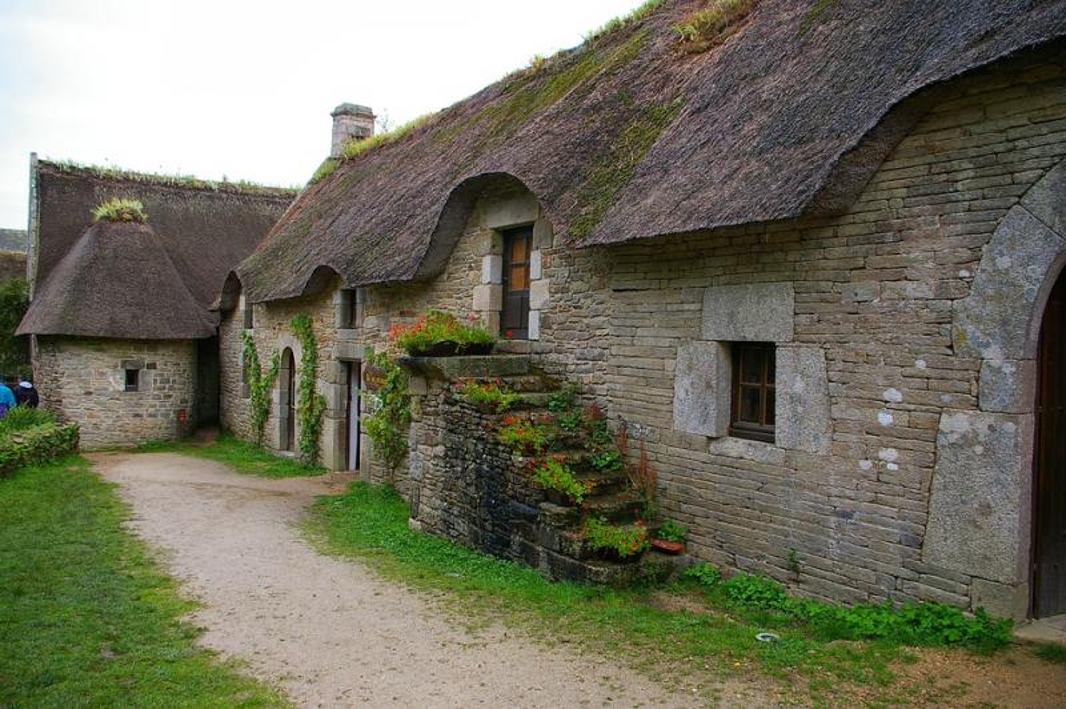 Stenen huis op het platteland (10×10)