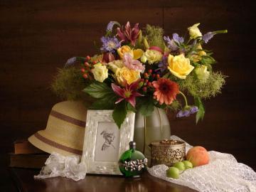 Kompozycja - Kompozycja, kwiaty, kapelusz.