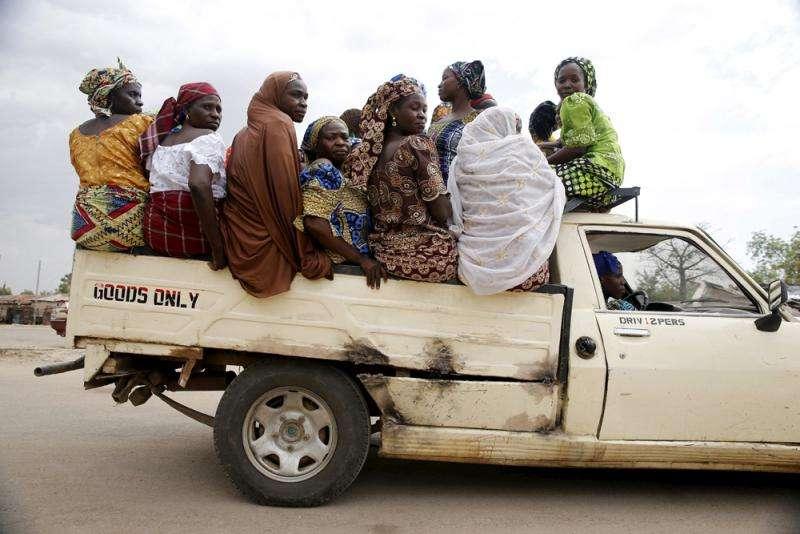 pessoas em uma van quebra-cabeça online