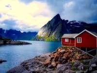 Dom nad fjordem.