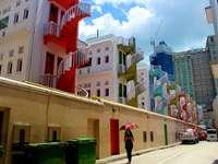 Straße in Singapur. - Straße in Singapur. Eine Wendeltreppe.